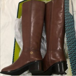 🌻NEW! TORY BURCH boots